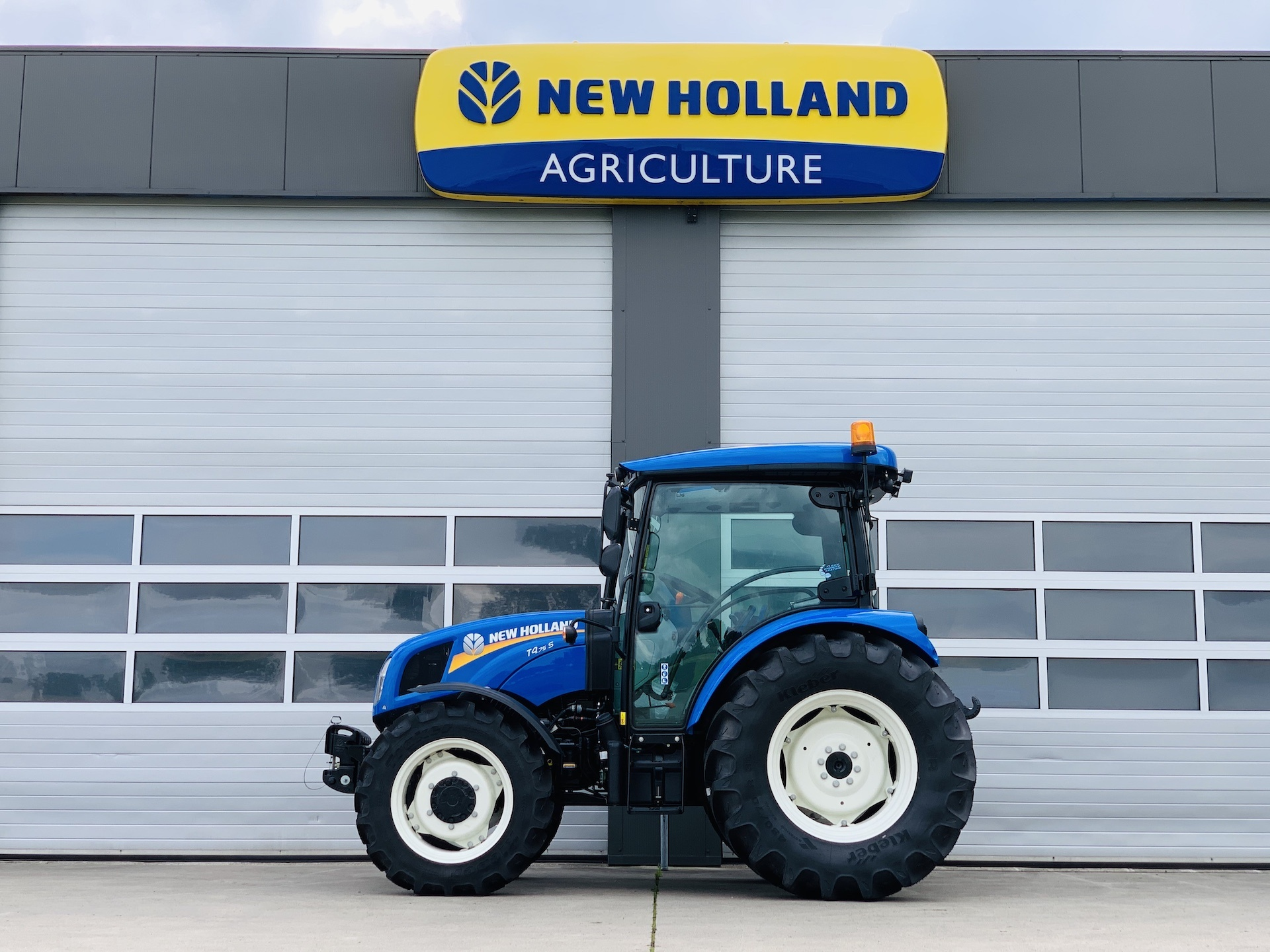 New Holland T4S.75 CAB 4WD